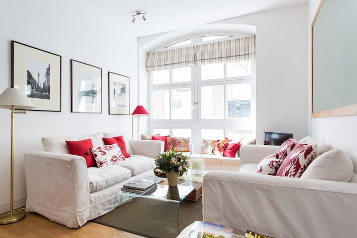 Carter Lane by onefinestay