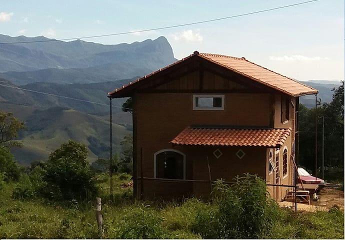Montanha de Luz - Chalé Veg p 5 pessoas