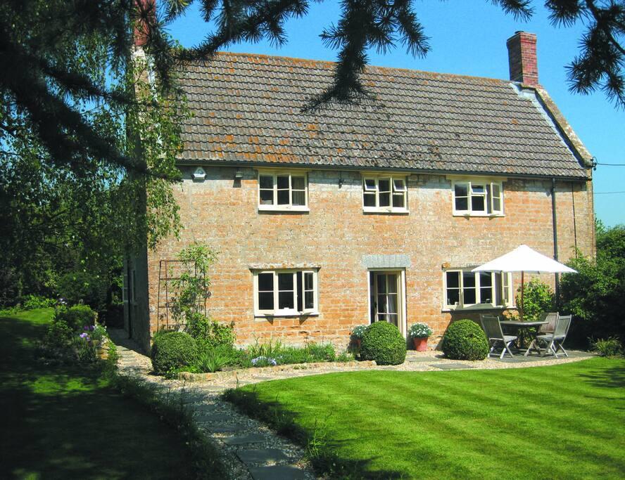 Cadbury Cottage - front garden