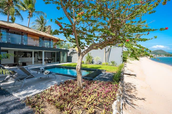 Beachfront 4 Bedroom, 3 Bath Pool Villa