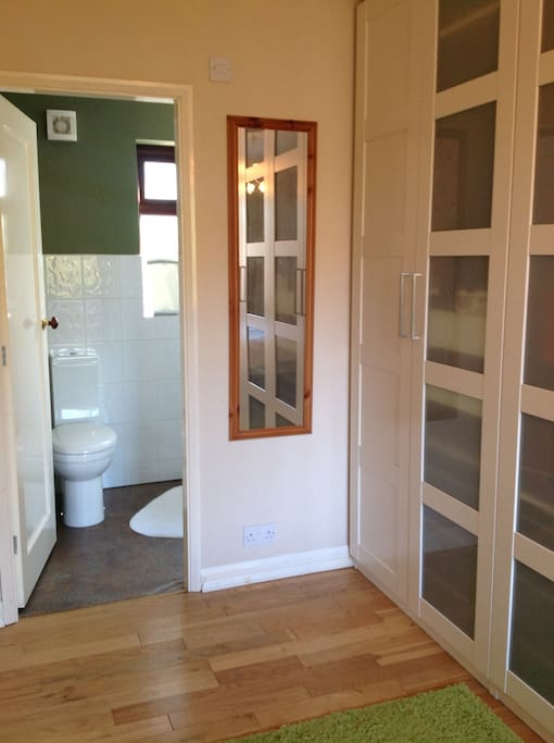 Private access to ensuite from bedroom