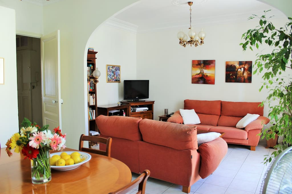 Two sofas in the living area can be extended to provide 2 extra sleeping spaces.