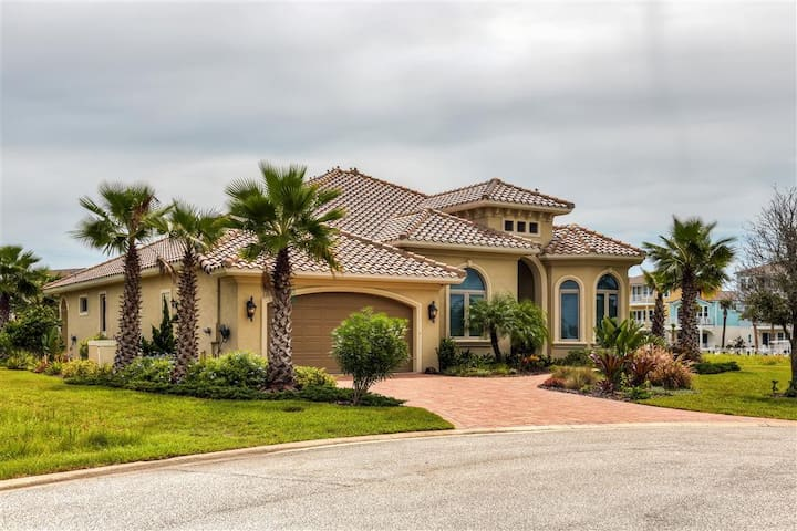 Impressive 4BR Flagler Beach House - Flagler Beach