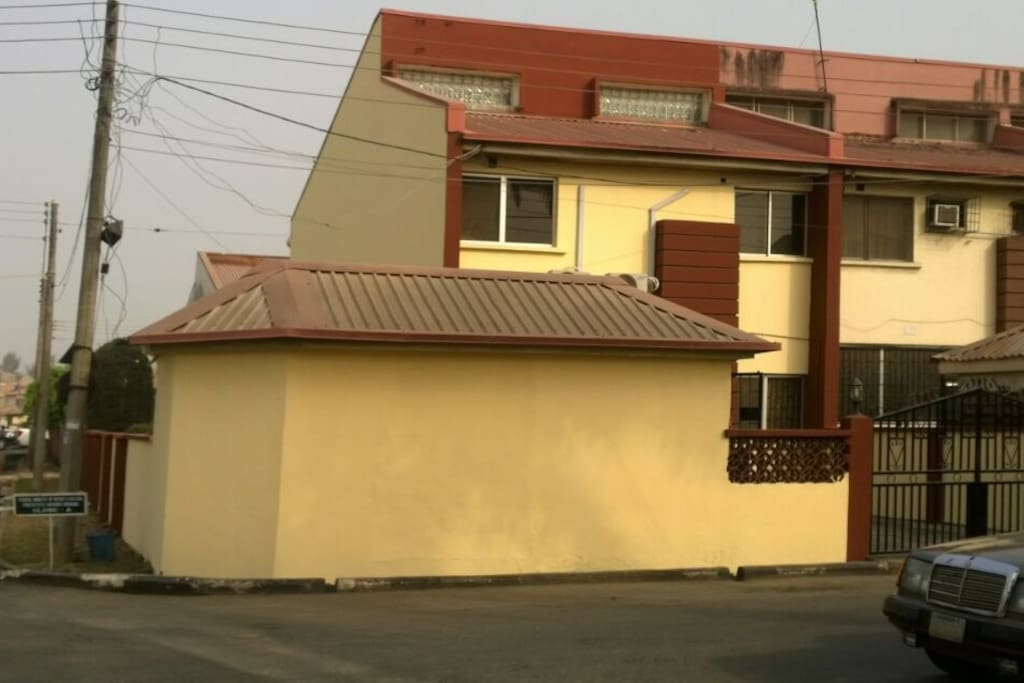 Frontal view of Corner Piece House