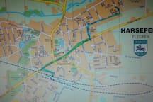 Die blaue bzw grüne Linie zeigt den Weg vom Bahnhof zum Roggenkamp 14