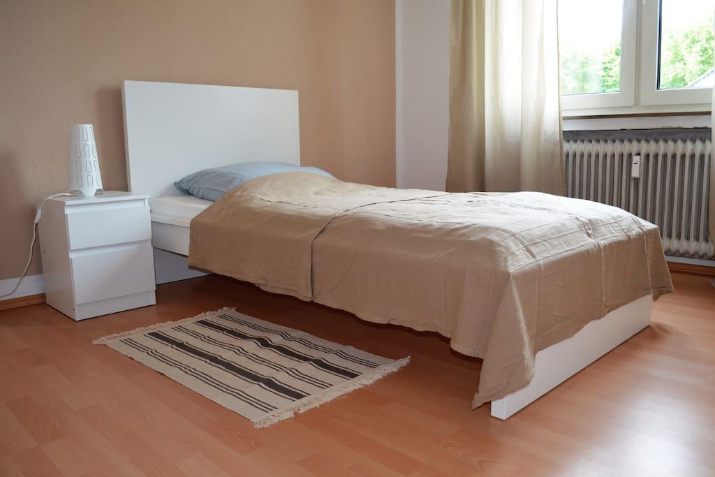 Einzelzimmer *1