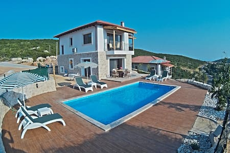 Villa Lycia Eye, (enchanting views) - Kaş