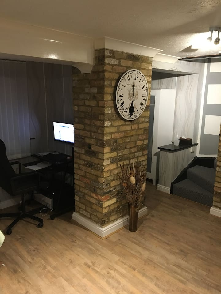 Double room in Cambridge (Furnished)
