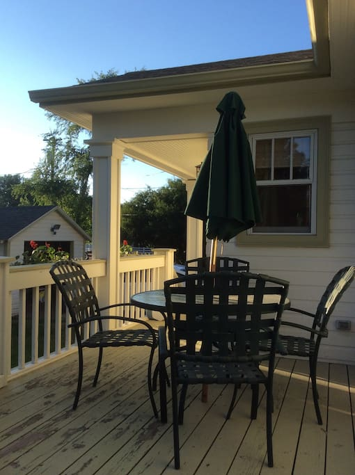 Side deck, perfect for evening drinks as you watch the sunset, and for a leisurely morning coffee before you start your day in Big Sky Country!