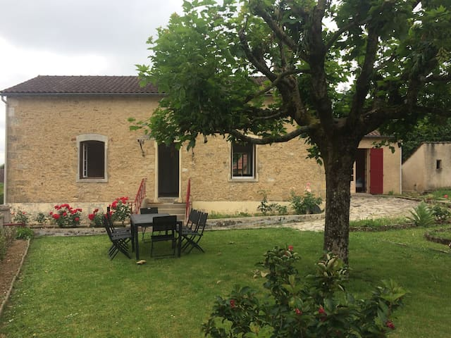 Maison au cœur du Périgord avec piscine