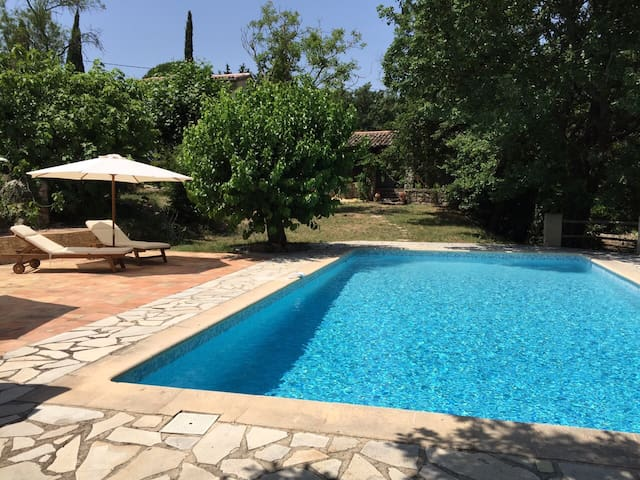 Private & Spacious House with Pool - Saint-Paul-en-Forêt