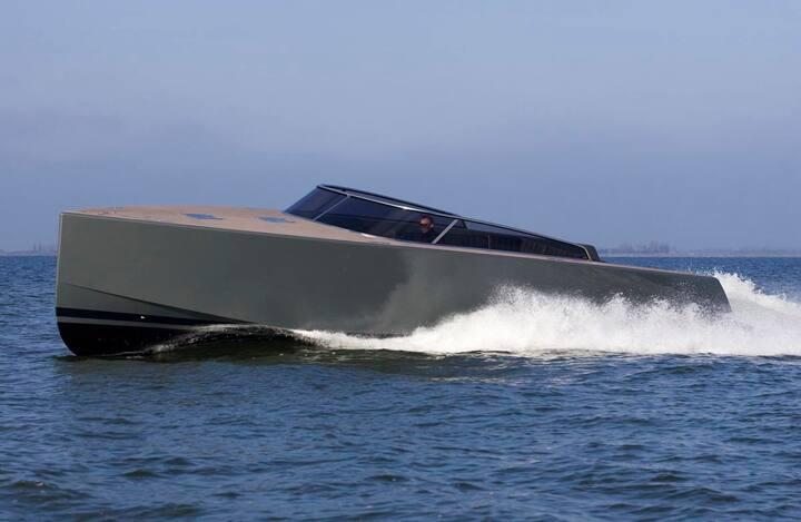Super cool day boat Monaco, St Tropez, Cannes