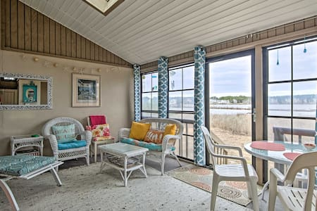Bethany Beach Resort Townhome on Salt Pond!