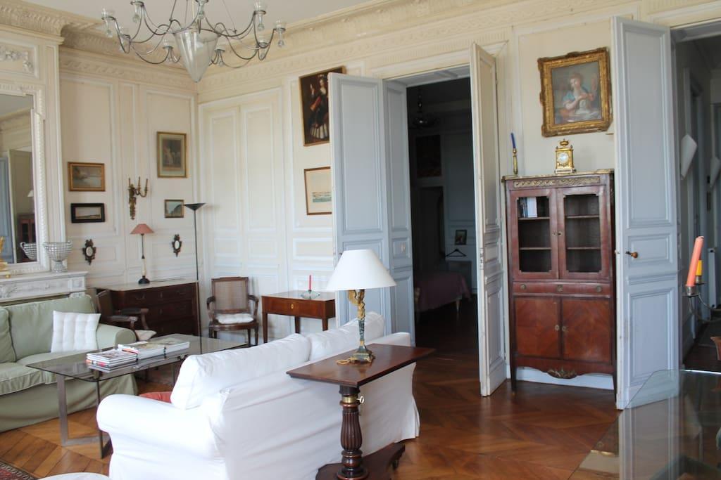 Appartement ancien sur les quais appartements louer for Recherche appartement sur bordeaux