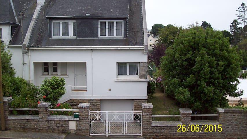 Maison proche de la mer - Concarneau - House