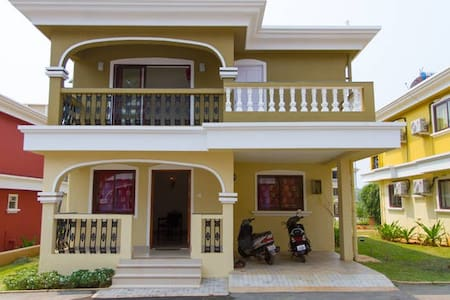 Beach Villa in scenic south Goa - Varca
