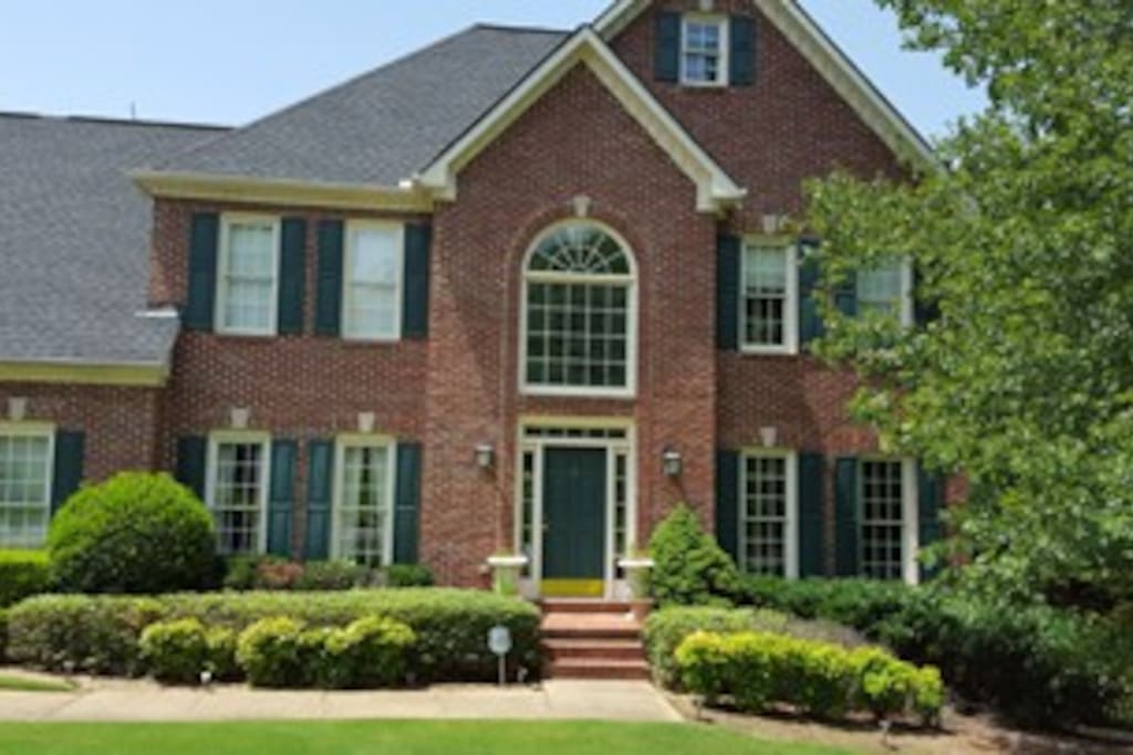 Beautiful home near historic Roswell.