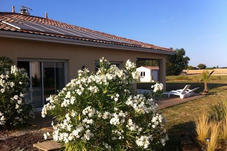 Villa contemporaine /Agen -Walibi;) - Hus