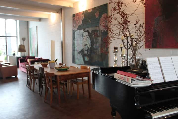 Private room in converted factory - Düsseldorf