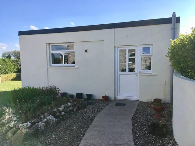 Cosy Private Retreat on the Pembrokeshire border.