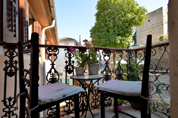 Amazing view and charming balcony - Motovun - Apartemen