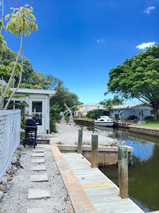 Private dock along canal with direct access to the Sarasota Bay. Great for fishing, boating and kayaking.