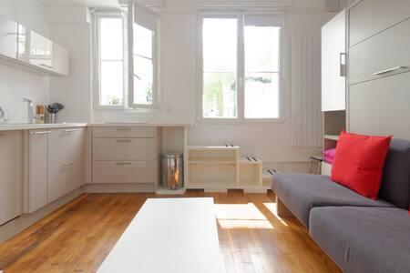 Studio / Marais Temple Terrace