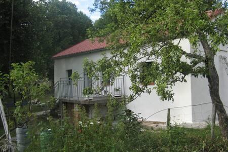 The Little Honey House - Klenovica