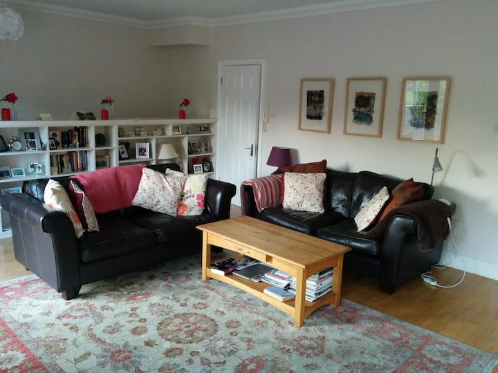 Bright spacious 2 bedroom Townhouse