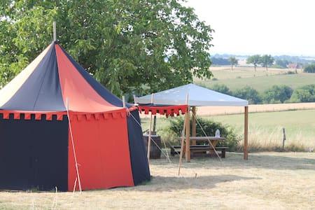 Tente et hutte médiévales - Tanus - 텐트