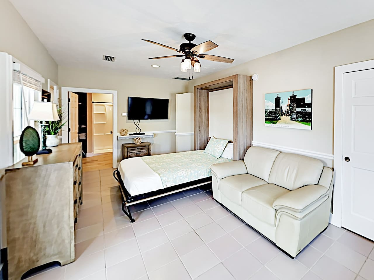 Welcome to St. Augustine! This studio is professionally managed by TurnKey Vacation Rentals.