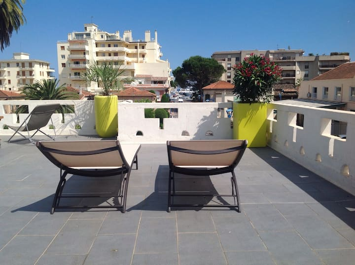 Rooftop villa à 200m des plages