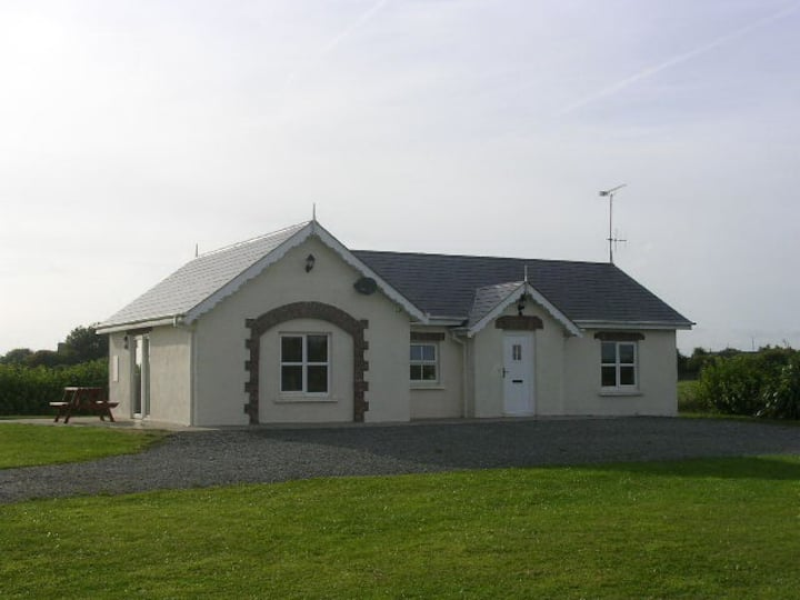 Cottage on Organic Farm [TE]