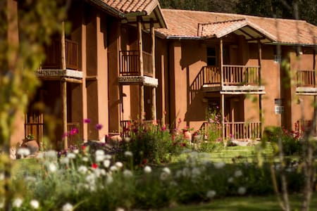 Lizzy Wasi Boutique Hotel - Urubamba - Bed & Breakfast
