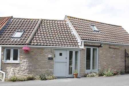 The Cow Byre, Laverton, Nr Bath - Bath - Hus