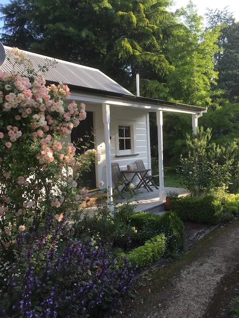 Endsleigh Cottages, The Little Cottage
