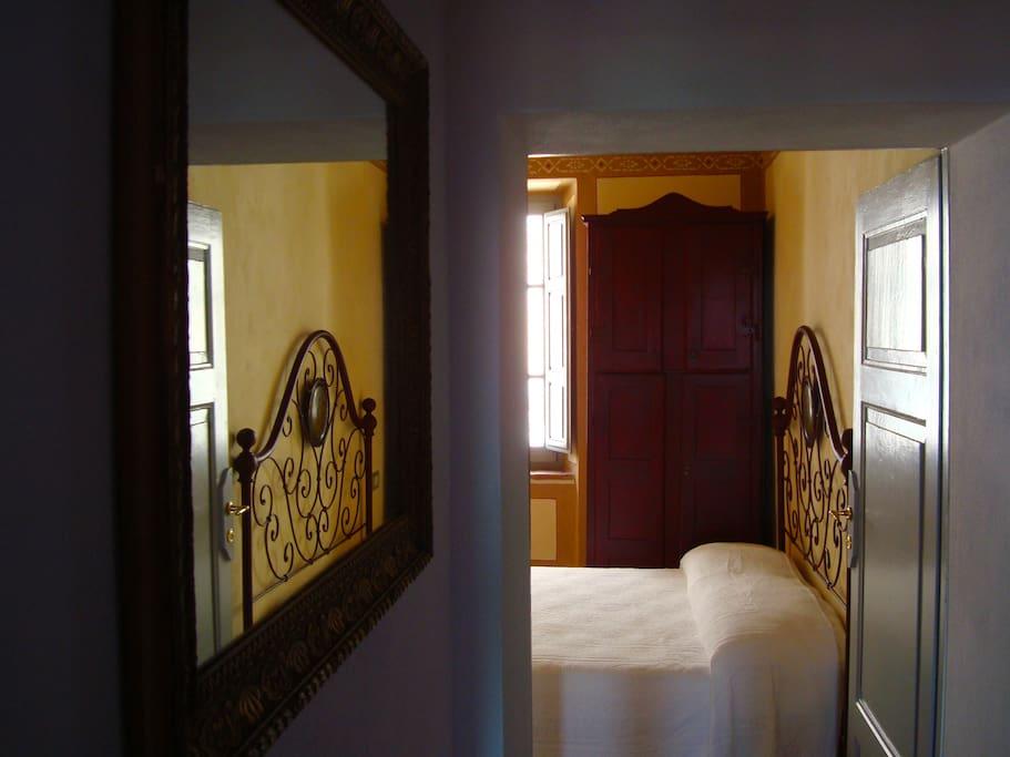 La camera | The bedroom