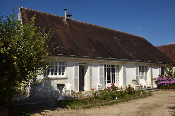 Maison familiale La Maladrerie - Chablis - Talo
