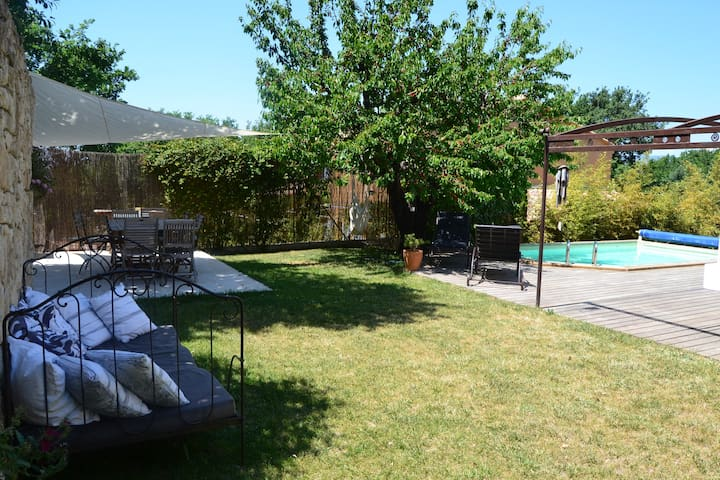 Maison, jardin provençal, piscine - La Bastidonne - House