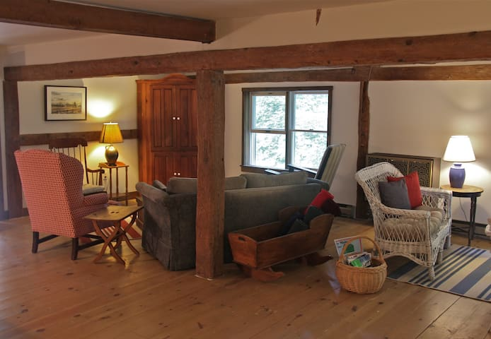 The Barn Loft Apartment - Damariscotta - Apartment