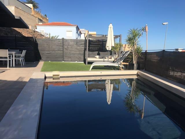 Vivienda de 5 estrellas con piscina climatizada