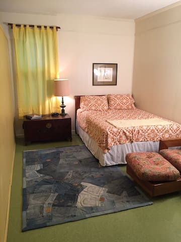 Groovy Guest House in the heart of Midtown Memphis