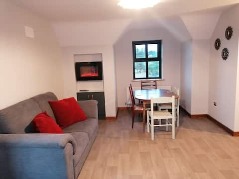 Fantastic private self catering upstairs apartment
