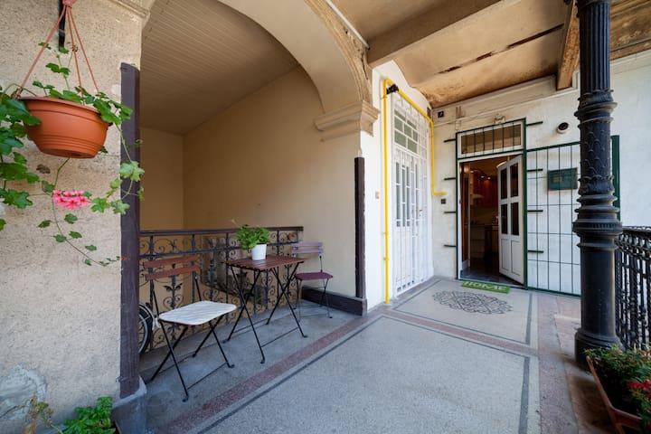 Lacy's Fengshui Apartment - Budapest - Appartement en résidence