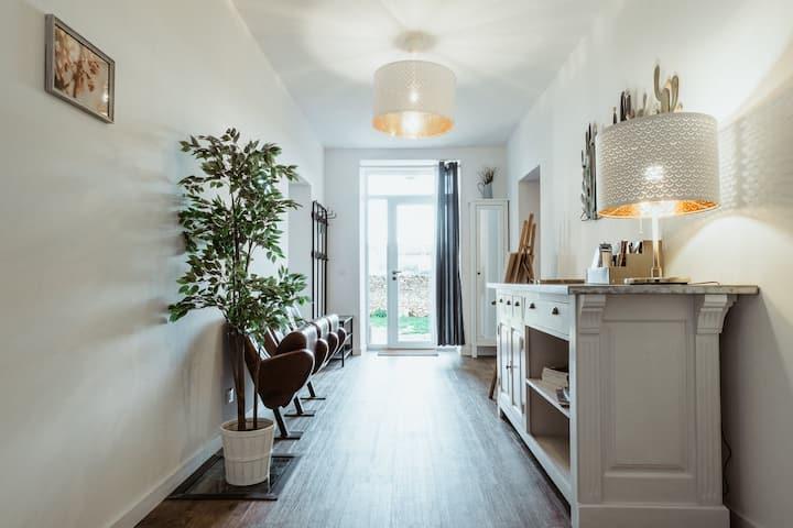 Appartement rénové+terrasse dans hameau - Luberon.