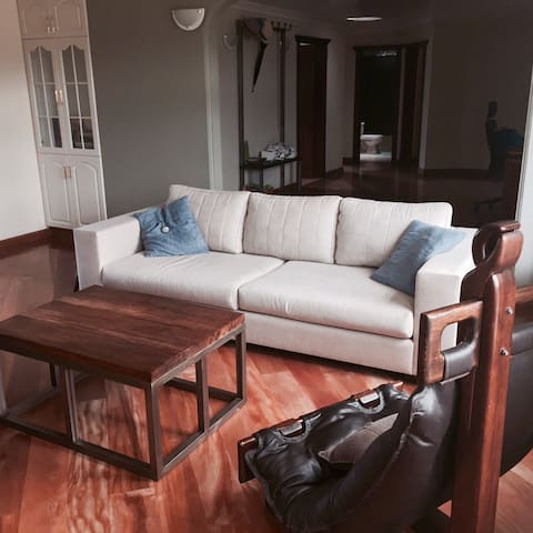 Beautiful Furnished Apt Near Park - Otavalo - Apartment