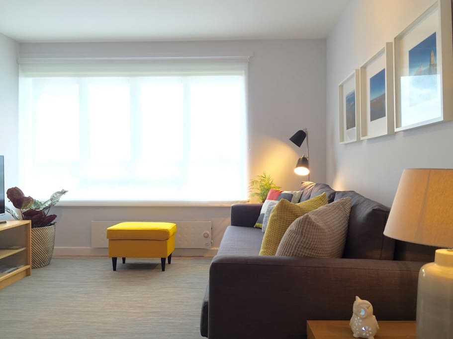 Lots of daylight comes into the lounge, with the option to use the roller blinds.