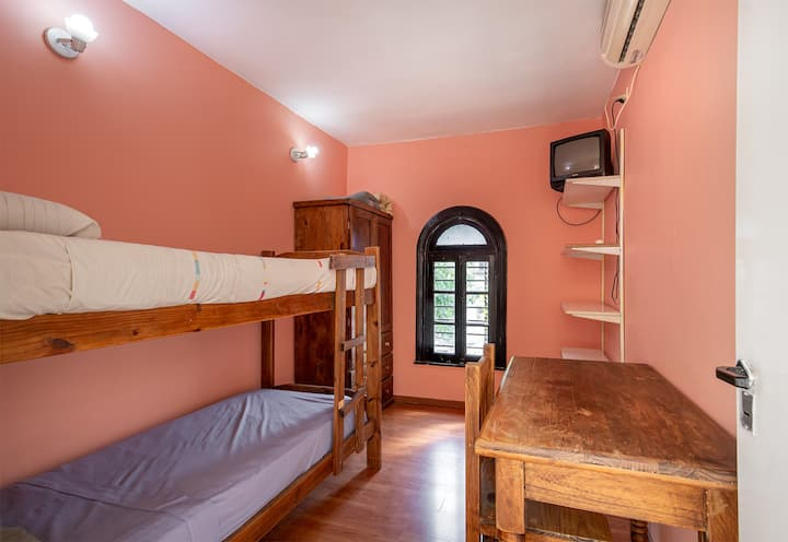 Beautiful and cozy room to stay in La Paternal