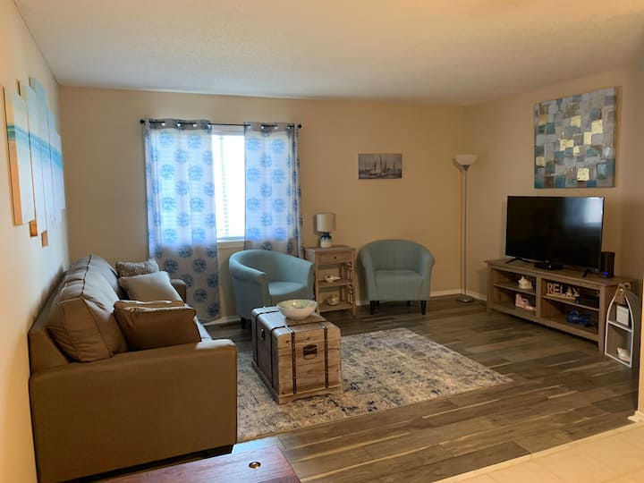 The Cottage: Beautiful, Clean, Near all things KC