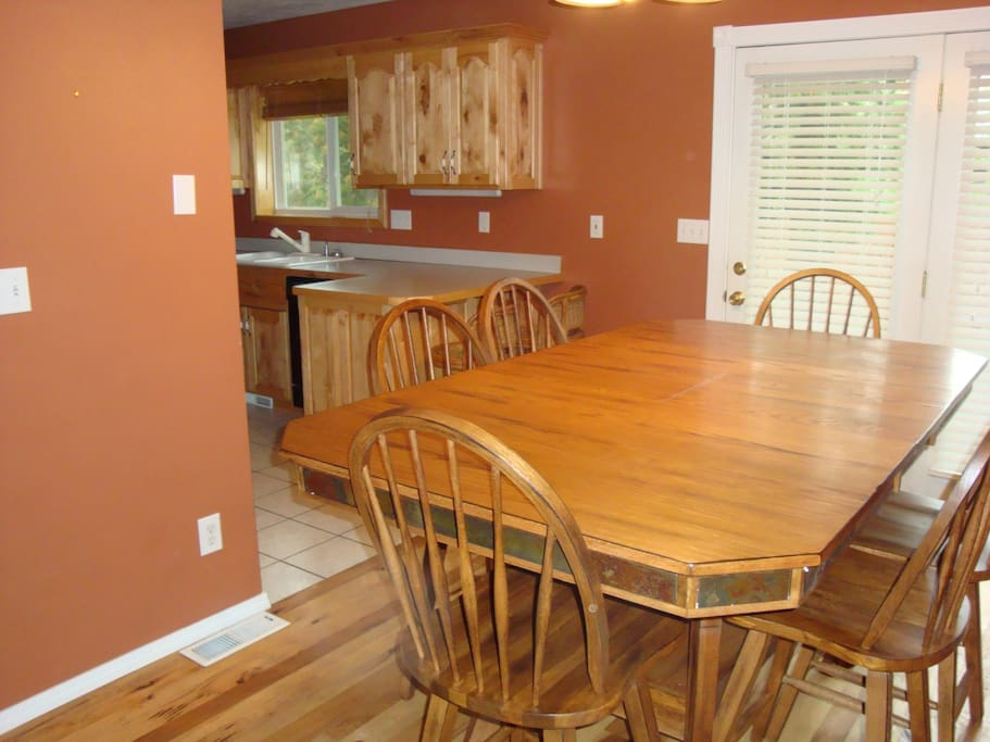 Dining room towards kitchen